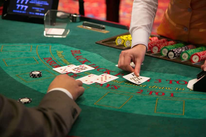 Règles du blackjack: Objectif, mises et action