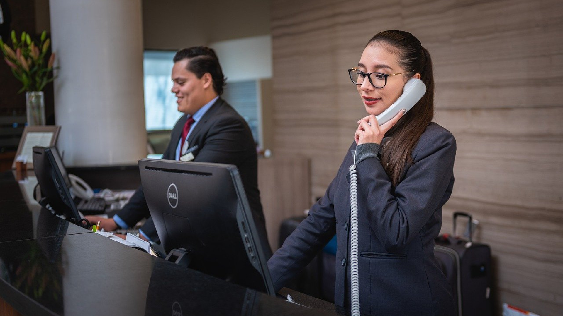 Comment retrouver le numéro d'un service client ?